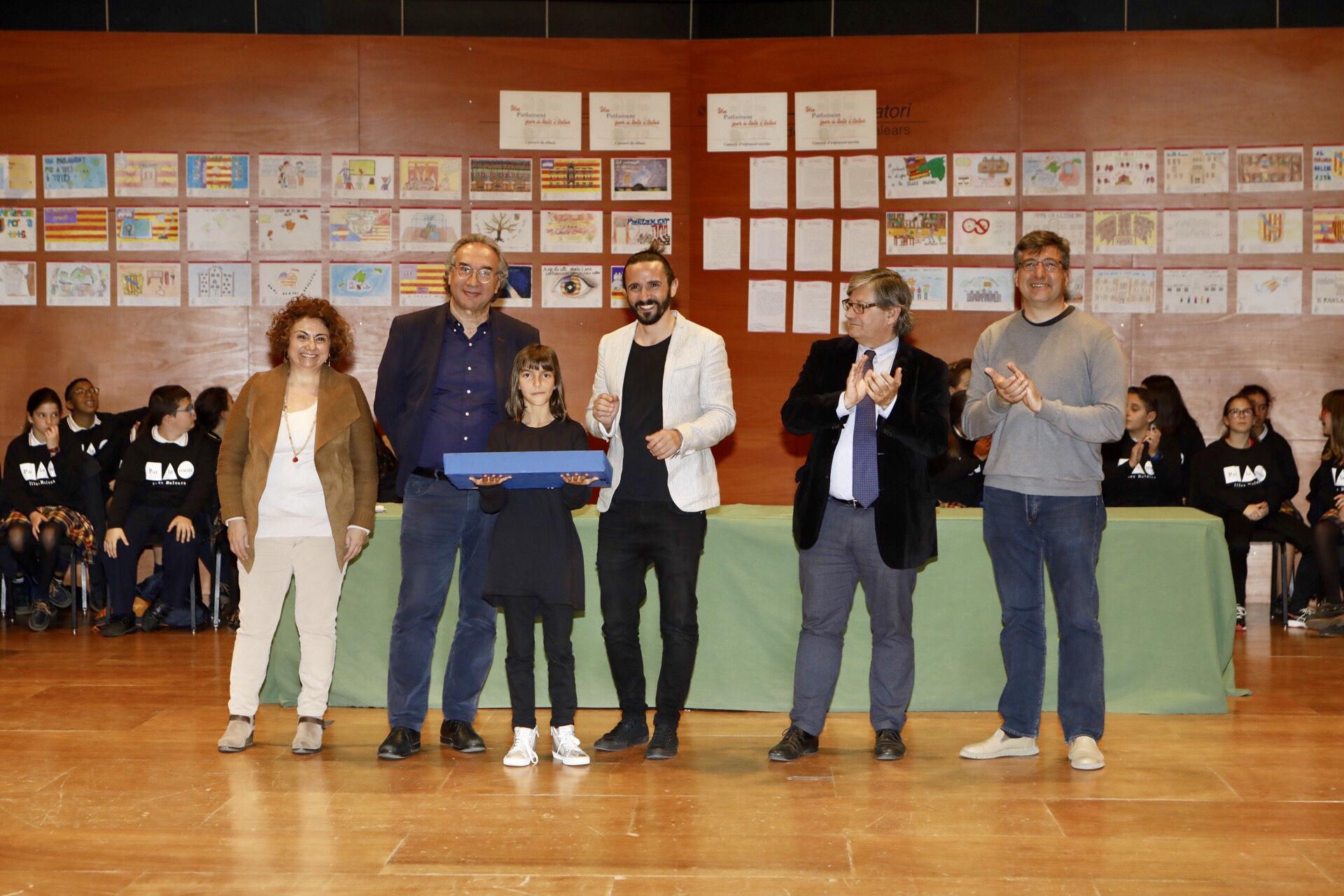 Maria Capellà Alcover, del CeIP Joan Mas i Verd (Montuïri), ha guanyat el primer premi de dibuix categoria 'Illes Balears'.